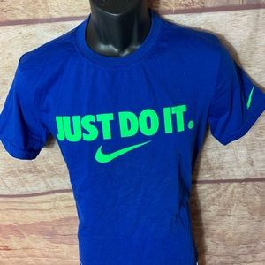 """Nike """"just do it"""" Shirt Men's small (a76)"""